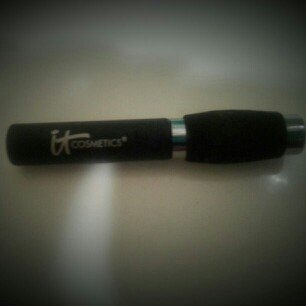 It Cosmetics Hello Lashes Clinically Proven 5-in-1 Mascara Mini uploaded by cassie b.