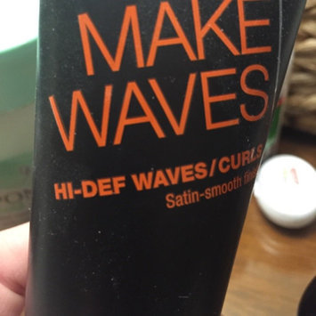 Photo of TRESemmé Expert Selection Make Waves Shine Enhancing Cream uploaded by Shana Z.