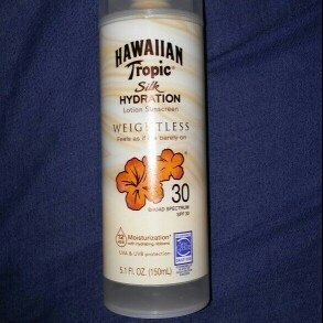 Hawaiian Tropic Silk Hydration Sunscreen Face Lotion with SPF 30 - 1. uploaded by zormarie v.