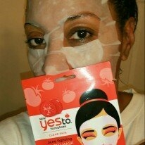 Yes to Tomatoes Clear Skin Acne Fighting Sheet Mask uploaded by Tonya W.