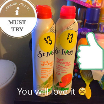 St. Ives Energizing Citrus & Vitamin C Fresh Hydration™ Lotion uploaded by Spontaneous T.