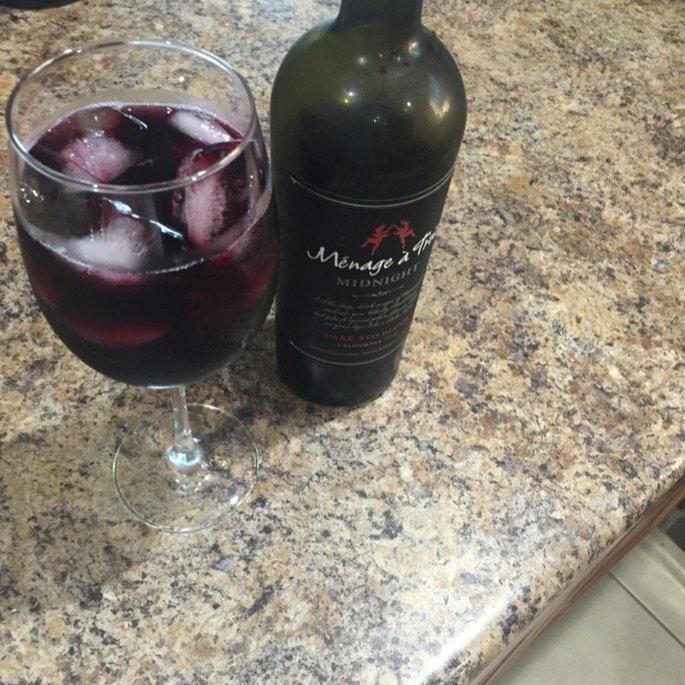 Menage a Trois Midnight California Dark Red Wine Blend 750mL Bottle uploaded by Viktoriya V.