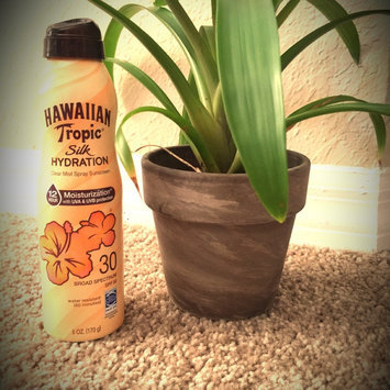 Photo of Hawaiian Tropic Silk Hydration Continuous Spray Sunscreen SPF 30 uploaded by Stephanie H.