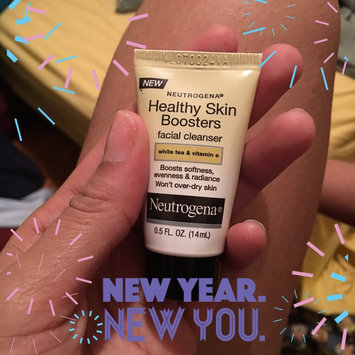 Photo of Neutrogena® Healthy Skin Boosters Facial Cleanser uploaded by Bergineliz R.