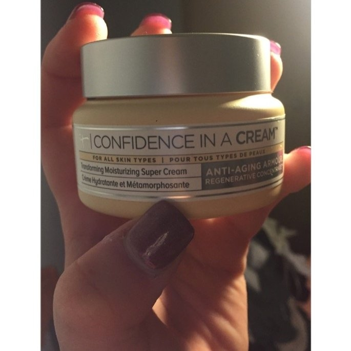 It Cosmetics Confidence in a Cream Transforming Moisturizing Super Cream uploaded by Allison F.