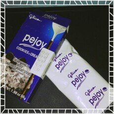 Photo of GLICO PEJOY Creamy Vanilla Filled Chocolate Biscuit Sticks 56g uploaded by Mariana G.