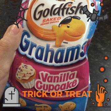 Photo of Pepperidge Farm Goldfish Grahams Vanilla Cupcake Graham Snacks uploaded by Amy Y.