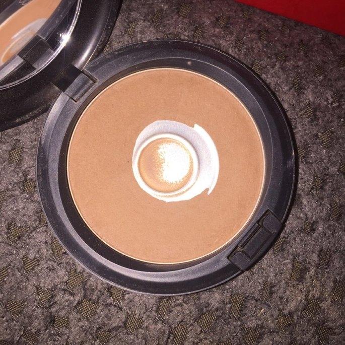 Mac Bronzing Powder uploaded by Jessica C.