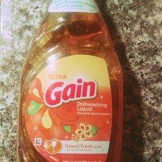 Photo of Ultra Gain Dish Liquid Soap Island Fresh uploaded by Tyson C.