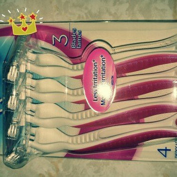 Photo of Gillette Venus Simply Venus Disposable Razors uploaded by Jess W.