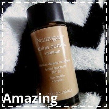 Photo of Neutrogena® Shine Control Liquid Makeup SPF 20 uploaded by Adeline R.