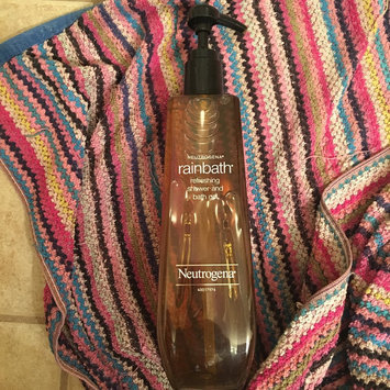 Photo of Neutrogena® Rainbath® Refreshing Shower and Bath Gel - Original uploaded by Betsy G.