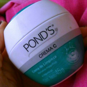 Photo of POND'S Crema C, 12.9-Ounce uploaded by Andreina C.