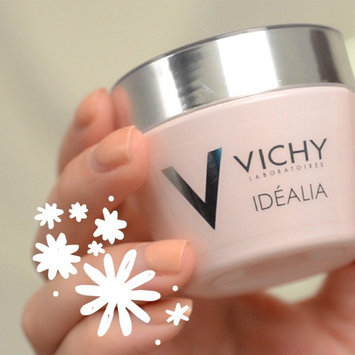 Vichy - Face Care Vichy Idealia Smoothing and Illuminating Cream Normal/Combination Skin 50ml uploaded by Corrie S.
