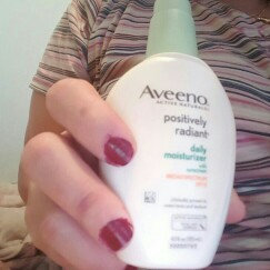 Aveeno Clear Complexion Daily Moisturizer uploaded by Claudia E.