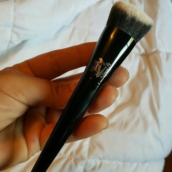 Kat Von D Lock-it Edge Foundation Brush uploaded by Sara S.