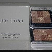 Bobbi Brown Brightening Finishing Powder uploaded by Taty D.