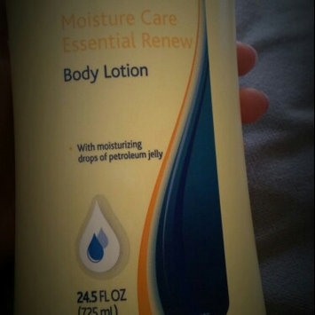 Photo of Equate Beauty Equate Absolute Moisture Dry Skin Lotion, 24.5 fl oz uploaded by Diana C.