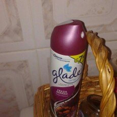 Glade Fresh Berries Room Spray uploaded by Merary R.