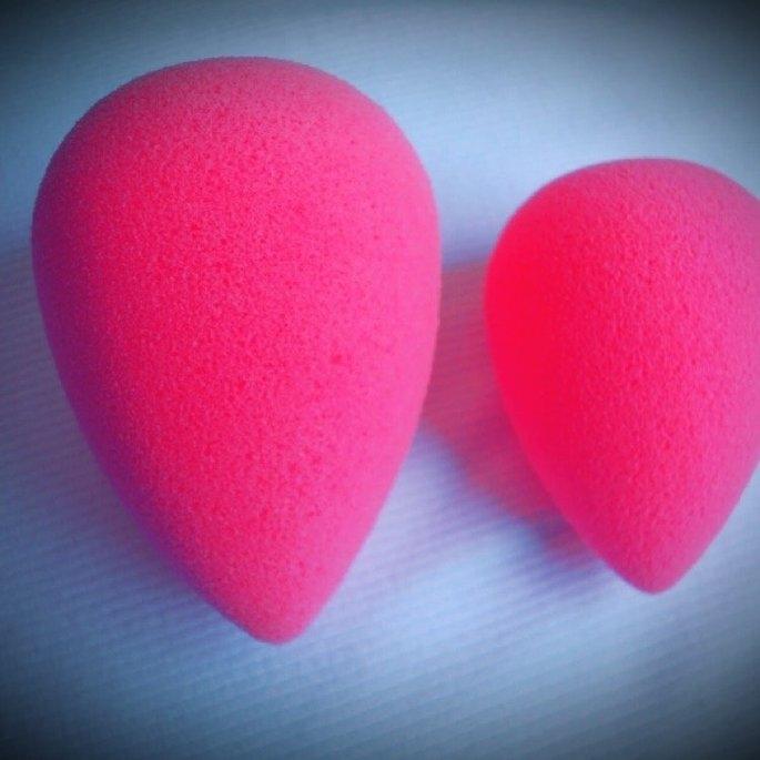 beautyblender Makeup Sponge Applicator Duo & Cleanser uploaded by Naveera K.