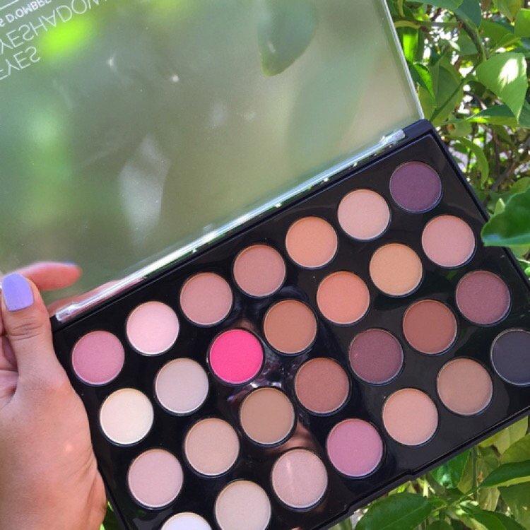 BH Cosmetics 28 Neutral Color Palette