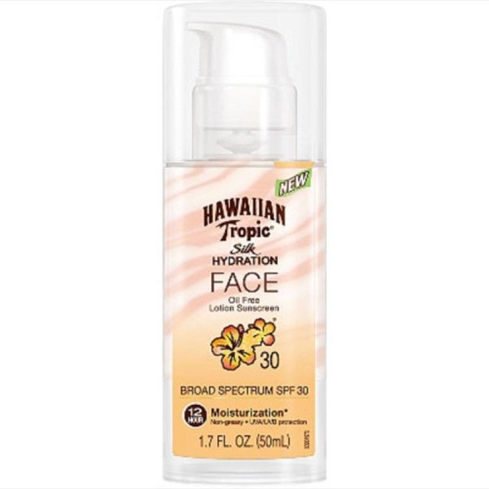 Hawaiian Tropic Silk Hydration Sunscreen Face Lotion with SPF 30 - 1. uploaded by Monica B.