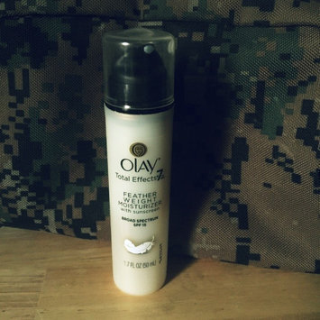 Photo of Olay Total Effects Feather Weight Moisturizer With SPF 15 Fragrance Free uploaded by Victoria T.