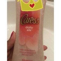 Caress® Endless Kiss™ Creamy Vanilla & Sandalwood Body Wash uploaded by Fabiola D.
