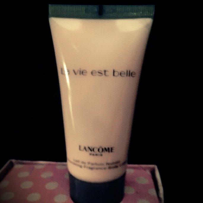 Lancôme La vie est belle uploaded by Deisy Z.