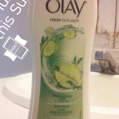 Fresh Outlast Olay Fresh Outlast Energizing Lime & White Tea Body Wash 23.6 fl oz uploaded by Amber B.