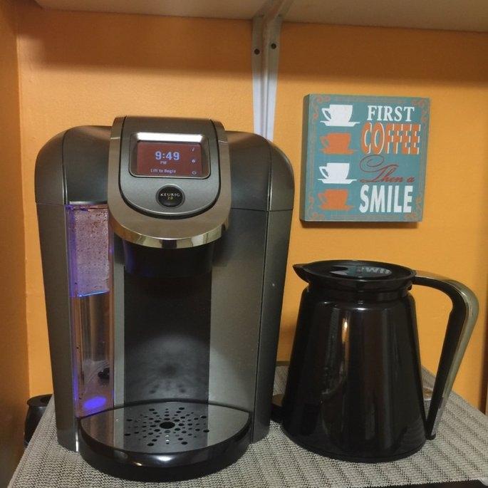 Keurig - 2.0 K550 4-cup Coffeemaker - Black/dark Gray uploaded by Danielle S.