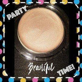 Photo of City Color Cosmetics Spotlight Highlighter uploaded by Jasmin B.