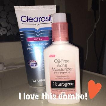 Neutrogena Oil-Free Acne Moisturizer uploaded by Morgan B.