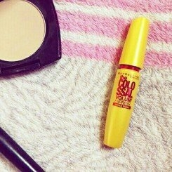 Maybelline New York Volum' Express The Colossal Washable Mascara uploaded by Layla A.