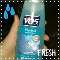 Alberto VO5 Herbal Escapes Moisturizing Shampoo Ocean Refresh uploaded by Arianna A.
