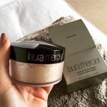 Photo of Laura Mercier Translucent Loose Setting Powder uploaded by cindy P.