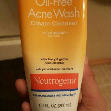 Neutrogena Oil-Free Cream Cleanser Salicylic Acid Acne Treatment uploaded by Lyndsie W.