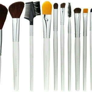 e.l.f. Cosmetics Brush Set (12 Piece) uploaded by mya m.