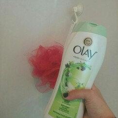 Photo of Olay Fresh Outlast Crisp Pear & Fuji Apple Body Wash uploaded by Katie  S.