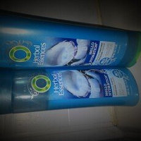 Herbal Essences Hello Hydration 2-in-1 Moisturizing Shampoo & Conditioner uploaded by Amy D.