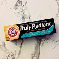 ARM & HAMMER™ Truly Radiant™ Whitening & Enamel Strengthening Fresh Mint uploaded by Ekaette E.
