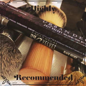 Urban Decay 24/7 Velvet Glide-On Eye Pencil uploaded by Vicky R.