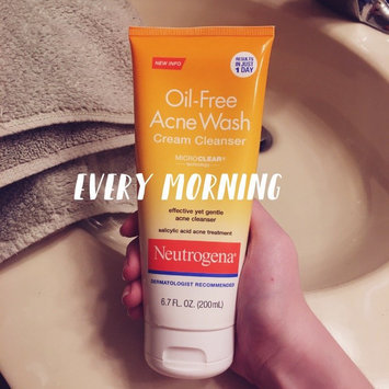 Photo of Neutrogena® Oil-Free Acne Wash Cream Cleanser uploaded by Lindsey G.