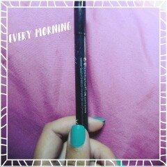 Essence Eyeliner Pen uploaded by Julieta R.