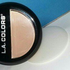 Photo of L.A. Colors Pressed Powder uploaded by Merin J.