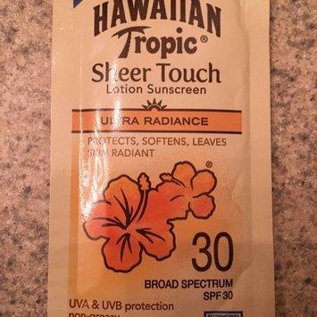 Hawaiian Tropic Silk Hydration Sunscreen Lotion uploaded by cice R.