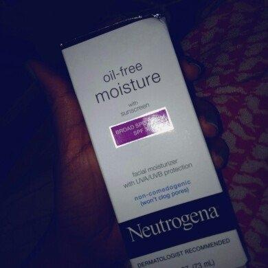 Neutrogena Oil-Free Moisture Facial Moisturizer SPF 35 uploaded by Nimmi N.