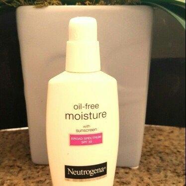 Neutrogena Oil-Free Moisture Facial Moisturizer SPF 35 uploaded by Cinthia V.