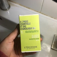 L'Occitane Angelica Glowing Fluid Protective Lotion SPF 15 uploaded by Waleska J.