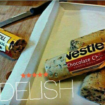 Photo of Nestlé® Toll House® Refrigerated Chocolate Chip Cookie Bar Dough uploaded by Emily L.